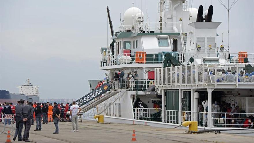 La Guardia Civil rescata a 526 inmigrantes al sur de isla de Lampedusa (Italia)