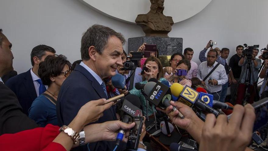 Zapatero, Fernández y Torrijos dejan Venezuela tras una visita con agenda privada