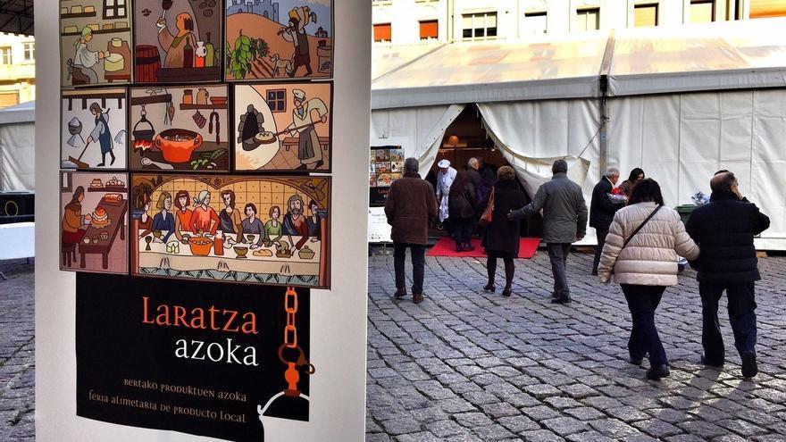 La feria alimentaria Laratza Azoka de Vitoria acoge 17 puestos con productos para la confección del menú navideño