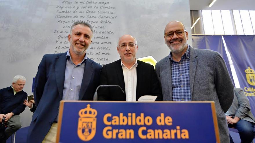El presidente del Cabildo de Gran Canaria, Antonio Morales; el vicepresidente Ángel Víctor Torres y el vicepresidente segundo Juan Manuel Brito