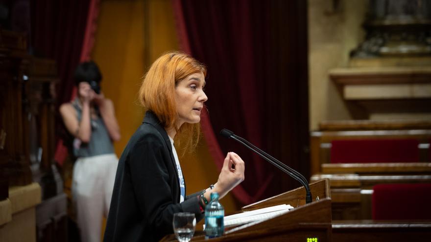 Archivo - La líder de los comuns en el Parlament, Jéssica Albiach, interviene en el pleno del Parlament.