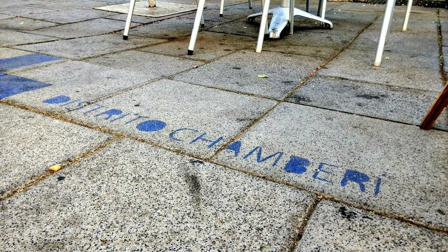 Marca de límites de una terraza en Fuencarral   SOMOS CHAMBERÍ