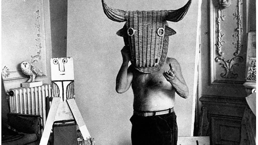 Bodegón con cabeza de toro, realizada el 19 abril de 1937 de Pablo Picasso.