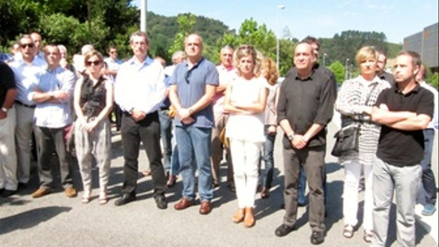 Egibar, Garitano y representantes políticos en homenaje a Korta