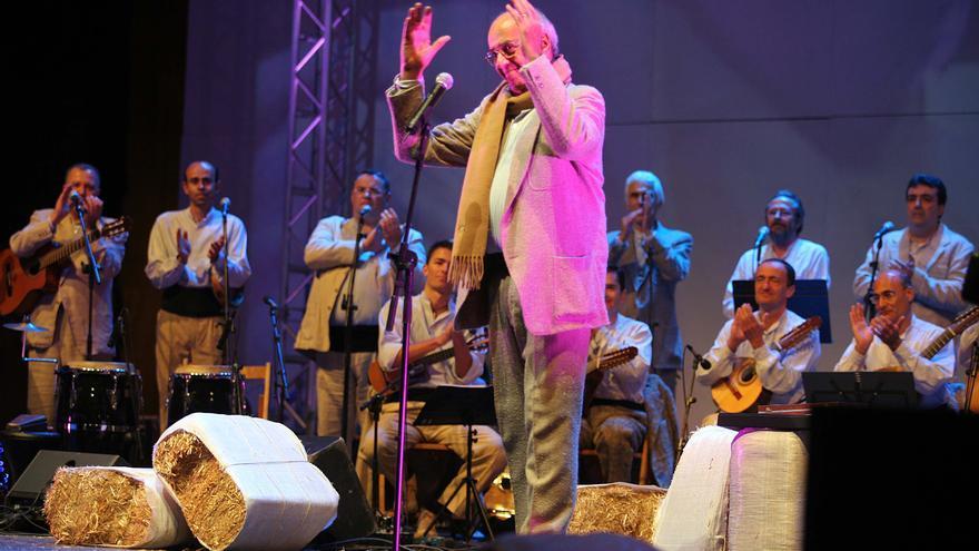 La veterana y prodigiosa voz de Los Gofiones, Perico Lino.