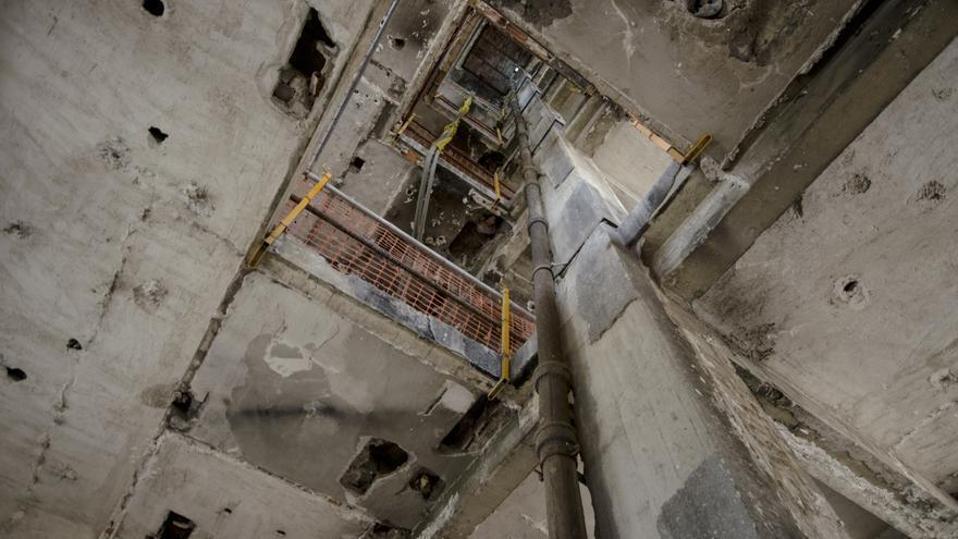 Interior en ruinas del Edificio España / Alejandro Navarro