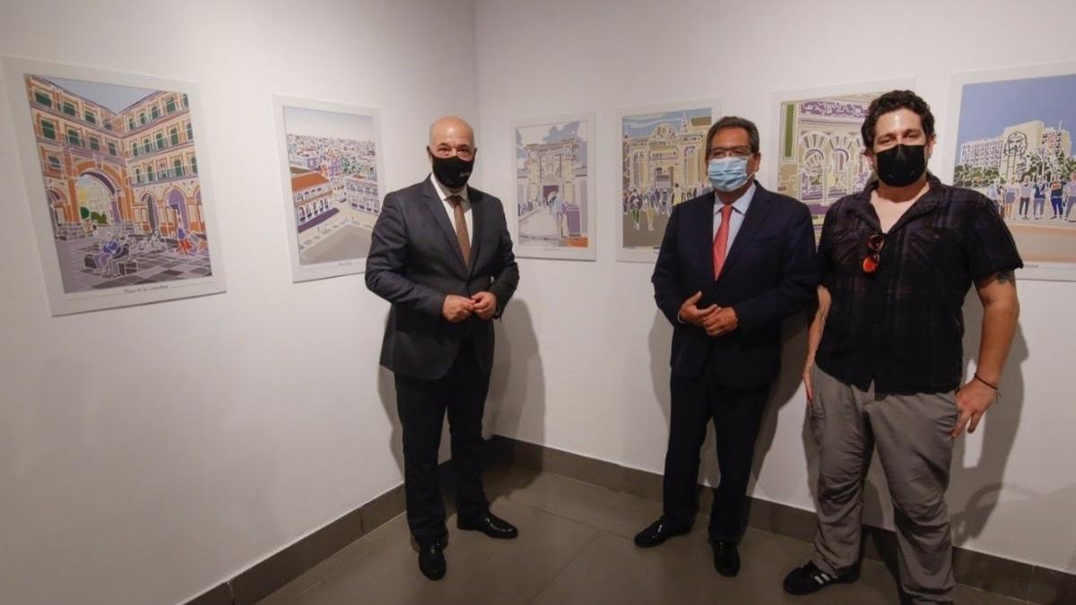 El presidente de la Fundación Cajasol, Antonio Pulido (centro), el presidente de la Diputación de Córdoba, Antonio Ruiz (izda), y el colaborador de la Editorial Utopía Libros, Daniel Valdivieso, visitan la muestra.