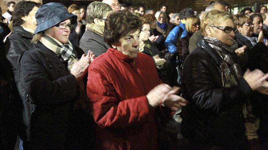 Vecinos de Galdakao arropan a la familia del joven desaparecido en Bélgica