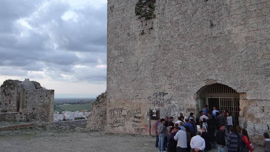 El castillo de Morón. // El Castillo de las Artes