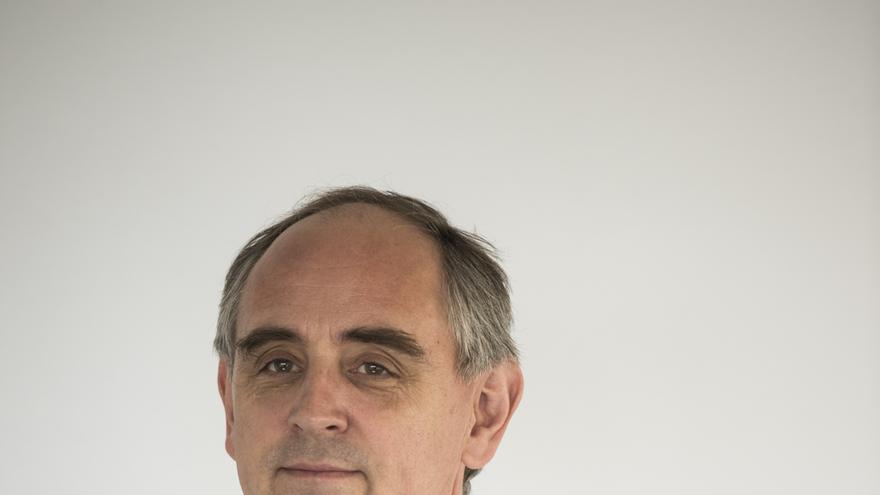 "Edward Lucas: ""Las sociedades abiertas son susceptibles de ser espiadas""."