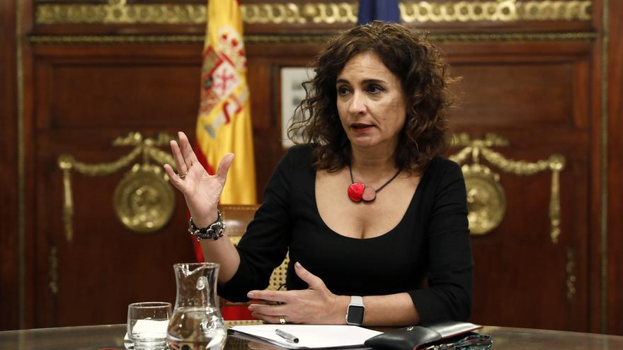 La ministra de Hacienda, María Jesús Montero, durante la entrevista