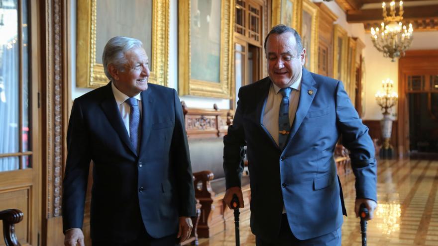 López Obrador exporta a Guatemala sus programas como solución a la migración