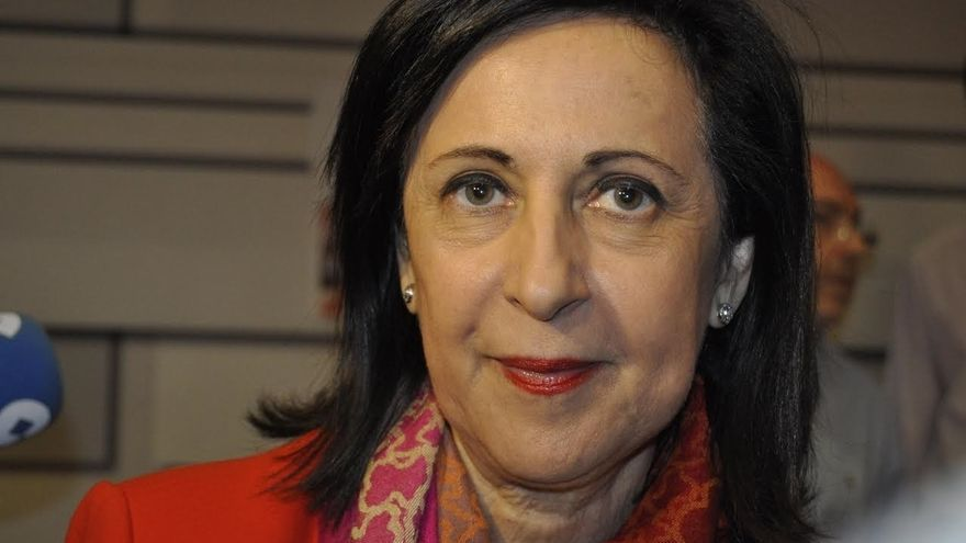 """Margarita Robles dice que Podemos no ha contado """"con nadie"""" para proponer la moción de censura y que Sánchez no la apoya"""