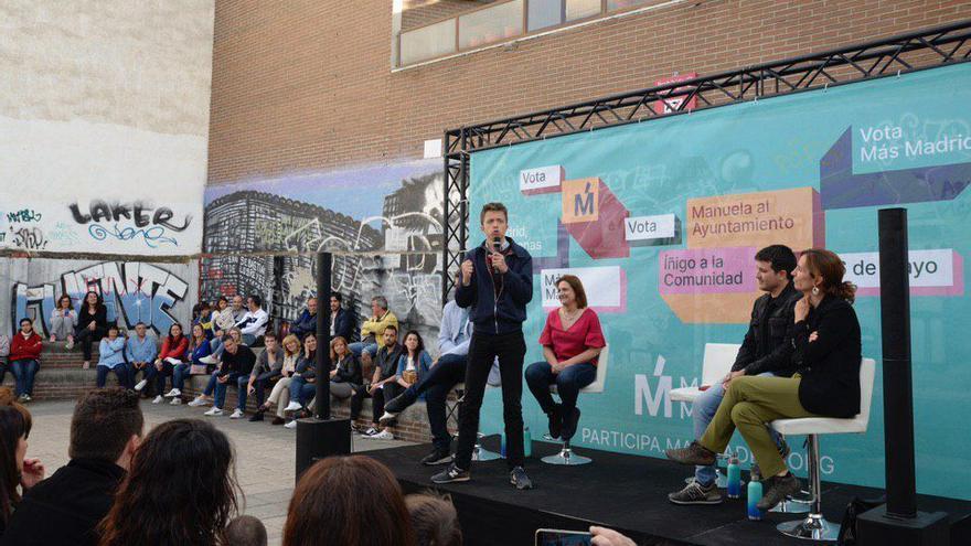 El candidato de Más Madrid, Íñigo Errejón, durante un mitin esta tarde en San Sebastián de los Reyes.