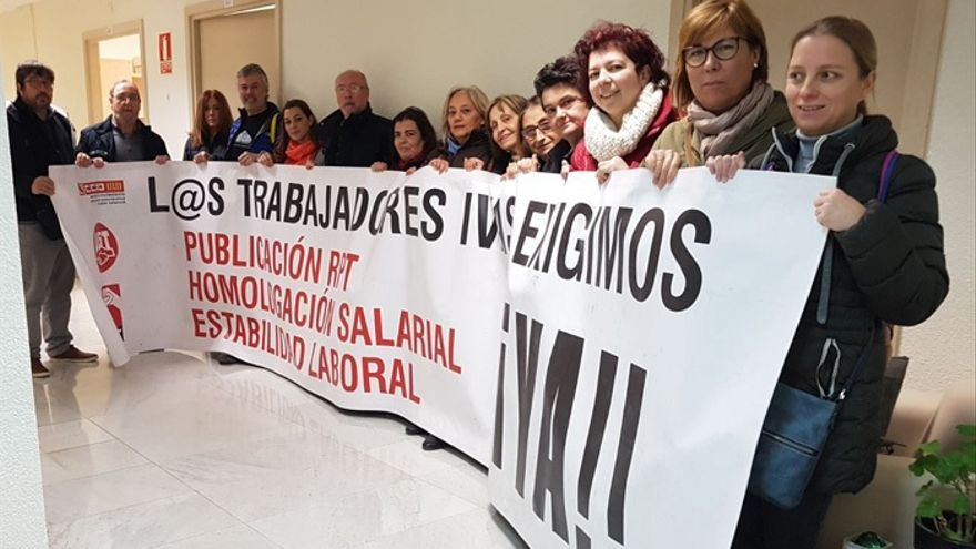 Imagen del encierro sindical en las oficinas del IVASS