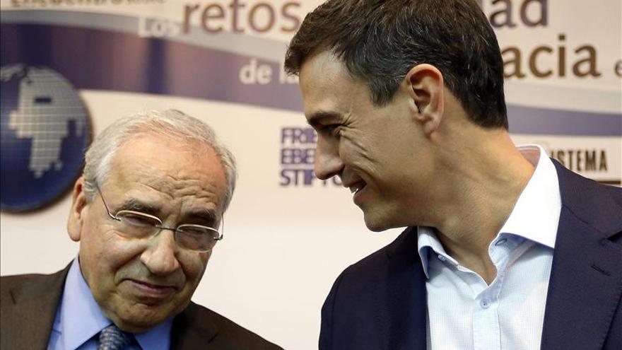 """Alfonso Guerra acusa a Artur Mas de """"intentar cada día burlar al Estado"""""""