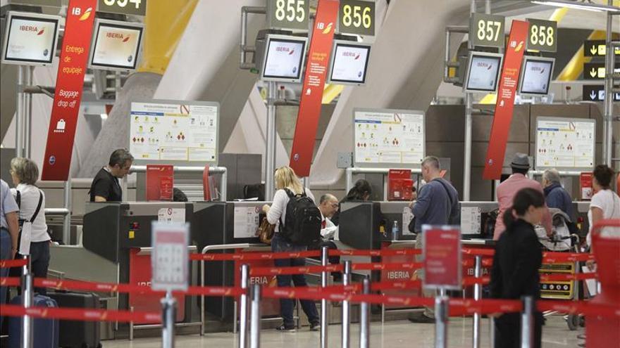Aena logra un 9 % más de pasajeros en noviembre con récord de internacionales