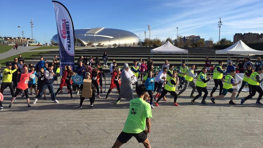 Carrera solidaria 'Run For Movember' 2016 en el parque de las Llamas.