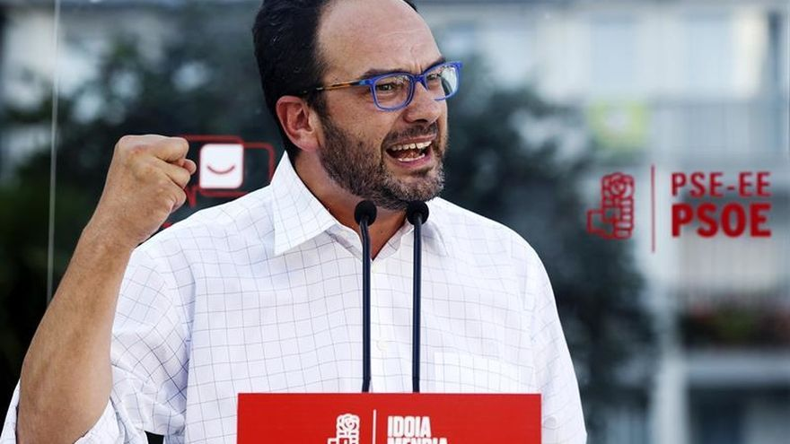 Hernando dice que el PSOE se juega su historia con el no a Rajoy