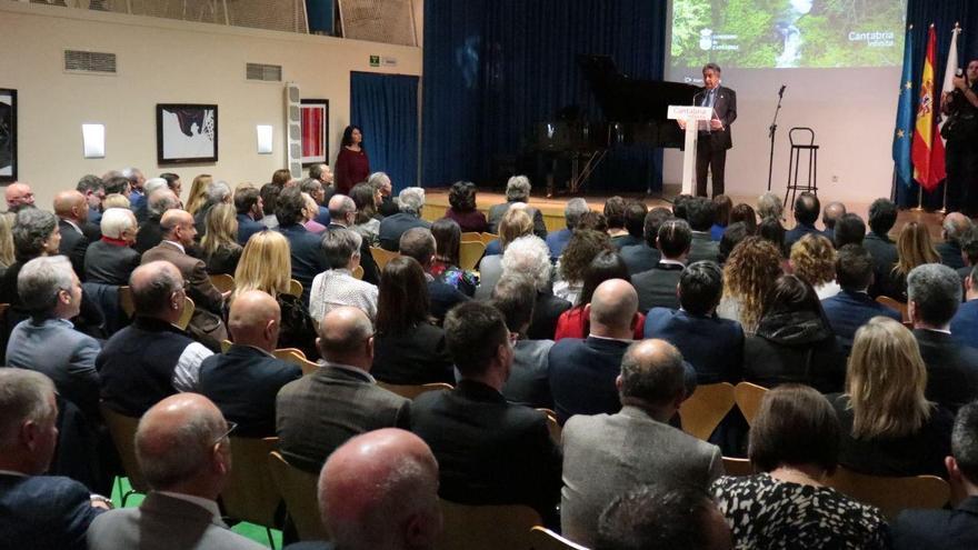 Miguel Ángel Revilla durante el discurso de la cena previa al Día de Cantabria en Fitur 2020.