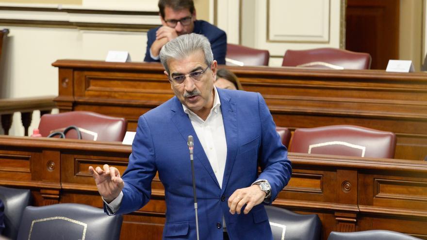 """Román Rodríguez reitera que Canarias no subirá impuestos: """"No vamos a tocar la fiscalidad ni recortaremos el gasto público"""""""