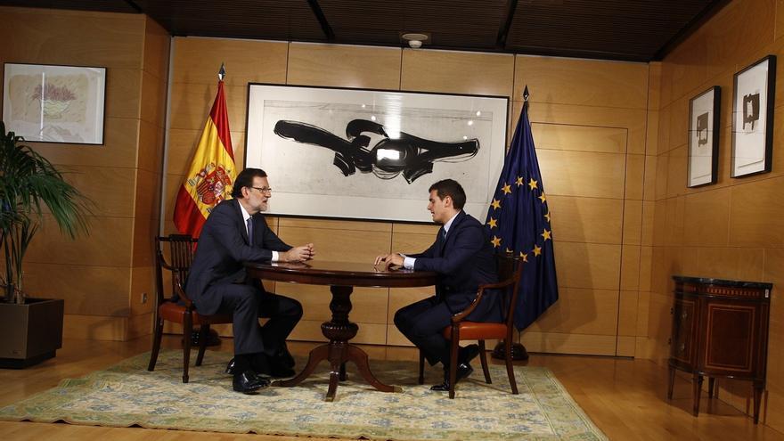 Rivera ha exigido a Rajoy una rebaja del IRPF en 2018.