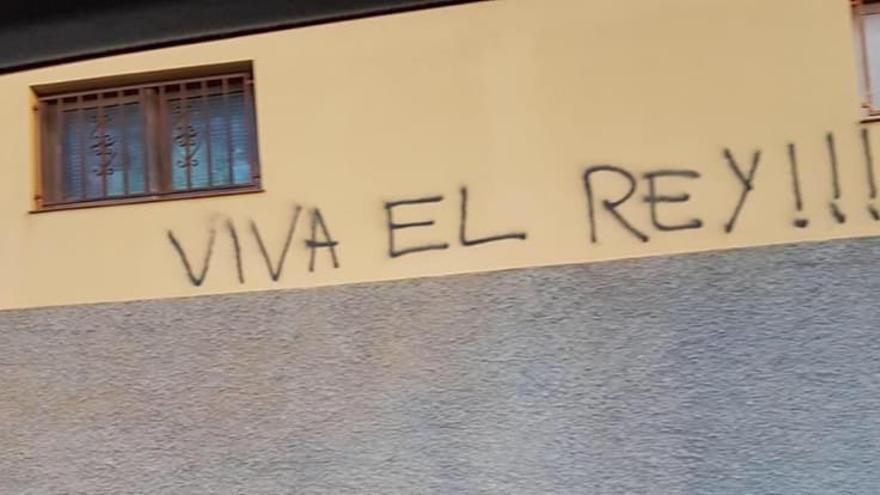 Unos desconocidos dañan un local del presidente del Parlamento de Canarias