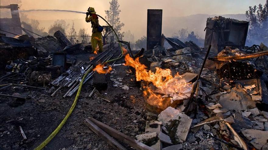 Mueren ocho niños y un adulto en un incendio en Kentucky