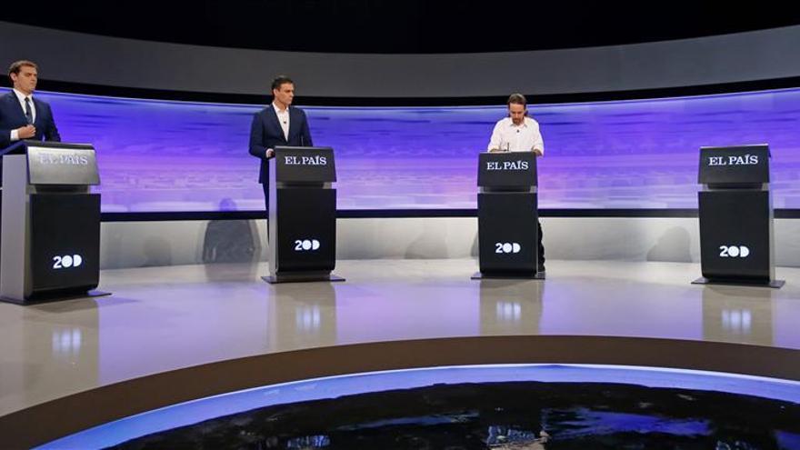 """Sánchez: """"Rajoy está ausente como en los últimos cuatro años"""""""