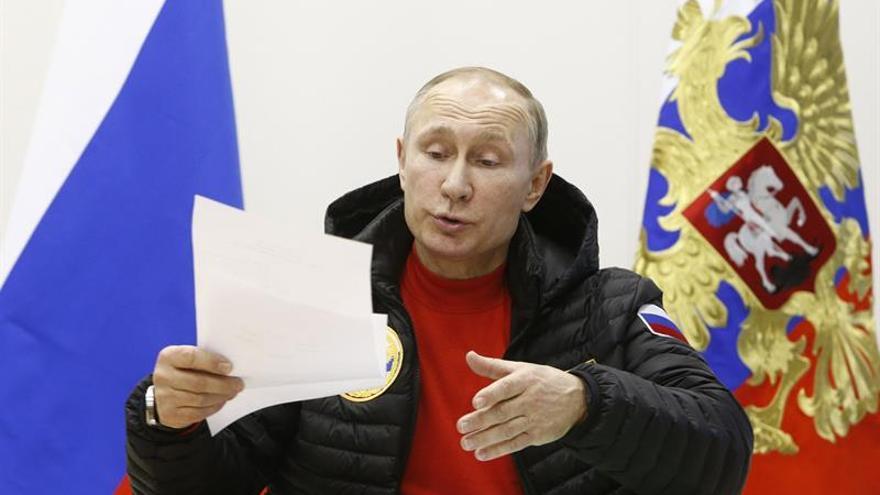Putin dispuesto a reunirse con Trump en Helsinki si se organiza una cumbre ártica