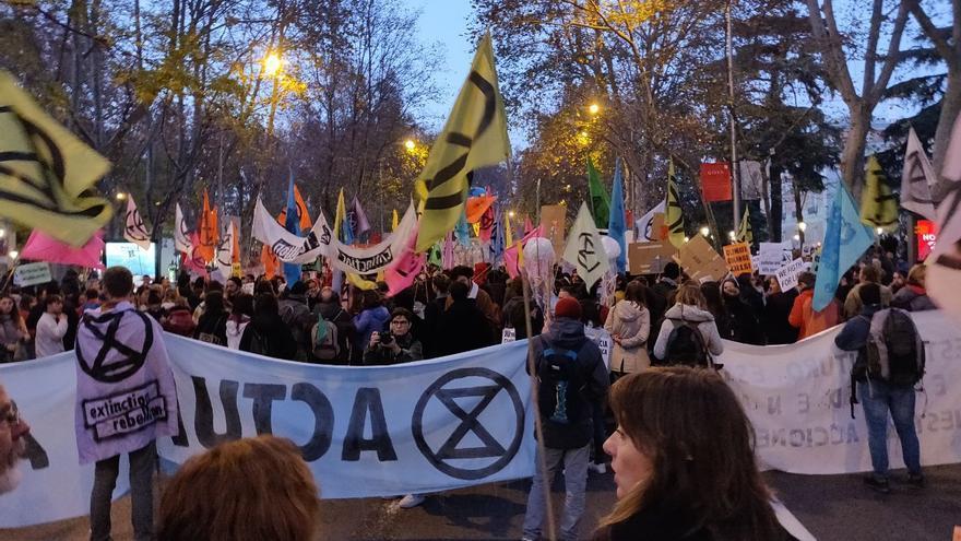Jóvenes en la Marcha por el Clima de Madrid.