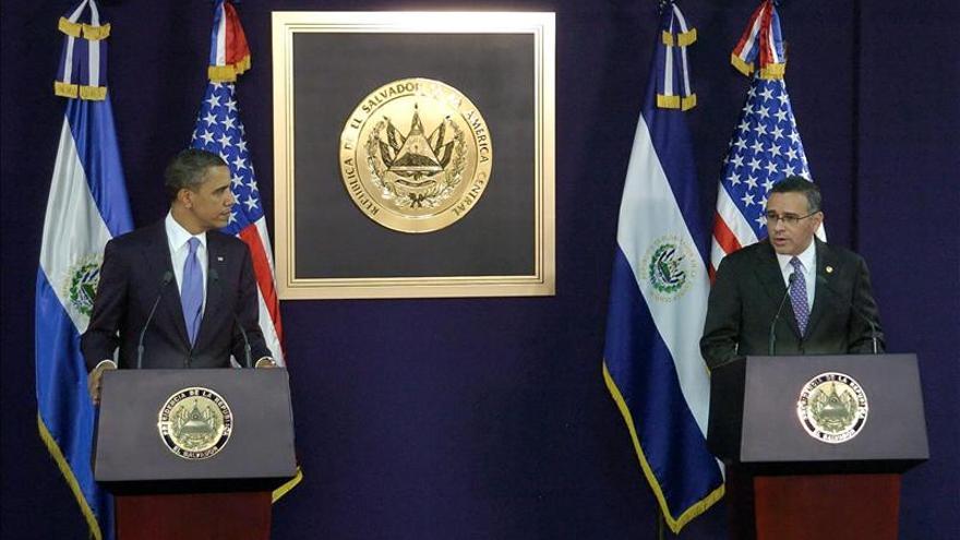 Funes ofrece apoyo a Obama para buscar respaldo a la reforma migratoria en EE.UU.