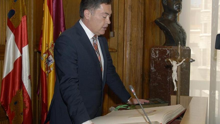 El PP de León anuncia una moción de censura ante la negativa de Martínez a dimitir
