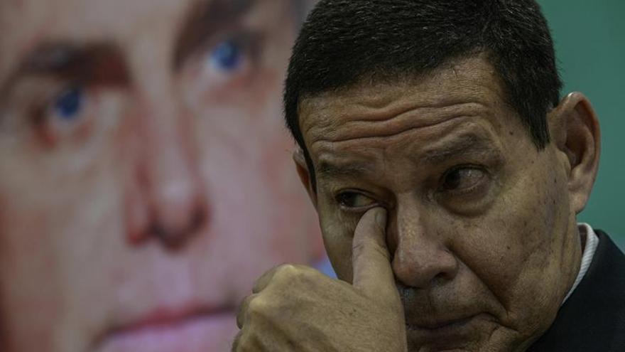"""Bolsonaro sigue en terapia intensiva y """"estable"""" tras el atentado"""