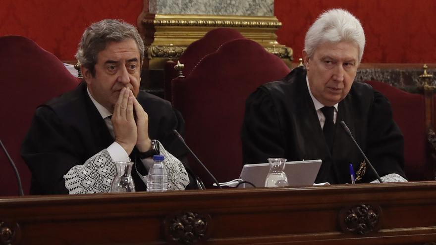 Los fiscales Javier Zaragoza y Fidel Cadena en la primera jornada del juicio del procés.