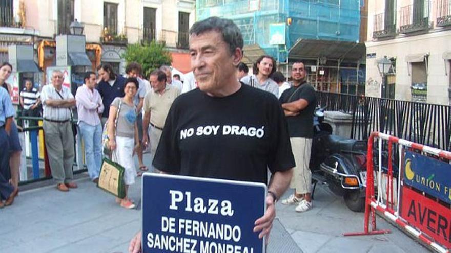 Sánchez Dragó, en 2006 cuando acudió a Juan Pujol para cambiar su nombre | EL MUNDO