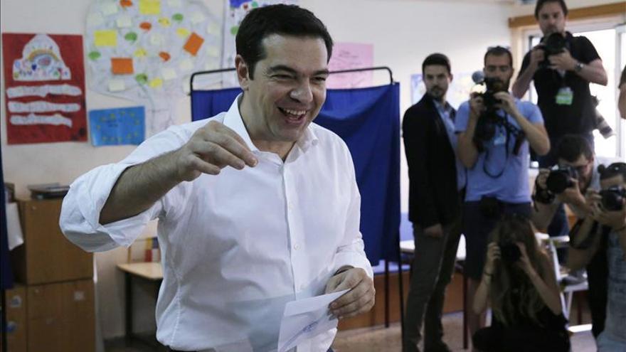 Tsipras dice que hoy el pueblo toma en sus manos su destino