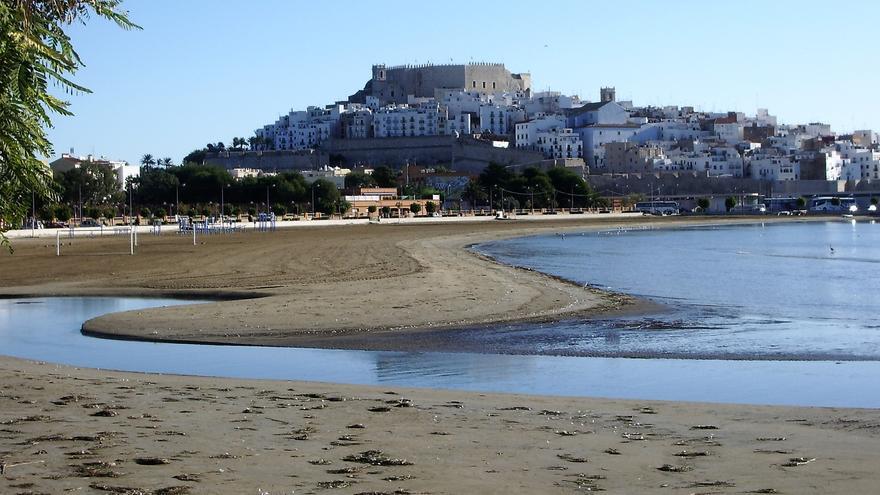Vista de la ciudad de Peñíscola desde la playa sur de la localidad castellonense