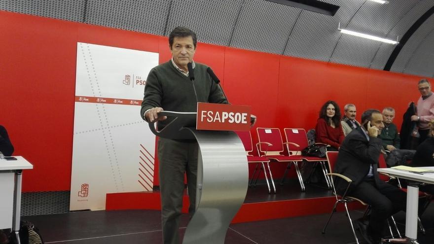 """Gutiérrez afirma que en la FSA """"nadie"""" ha cuestionado a Fernández como presidente de la Gestora del PSOE"""