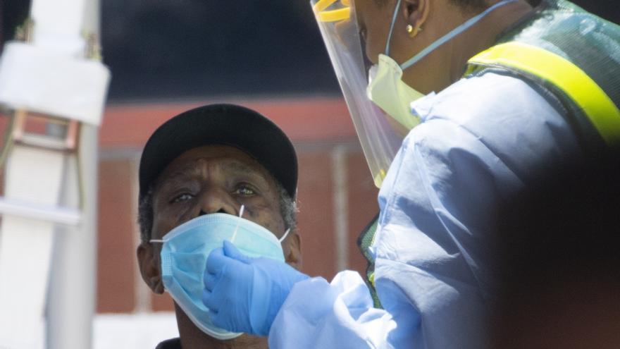Bahamas supera el récord de 3.000 contagios mensuales de covid-19