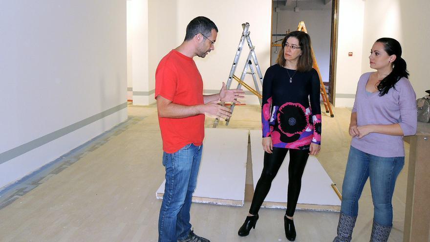 Las responsables de museos del Ayuntamiento y del Cabildo visitan las obras.
