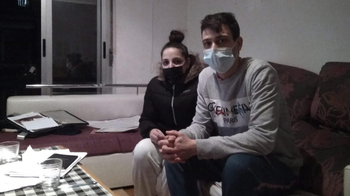 Lola y Nacho en la casa en la que han pasado el confinamiento
