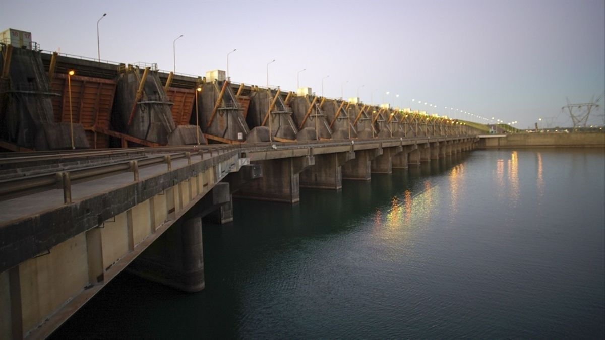La central hidroeléctrica más grande de la Argentina está generando en la actualidad por debajo de los 1.100 Mw.