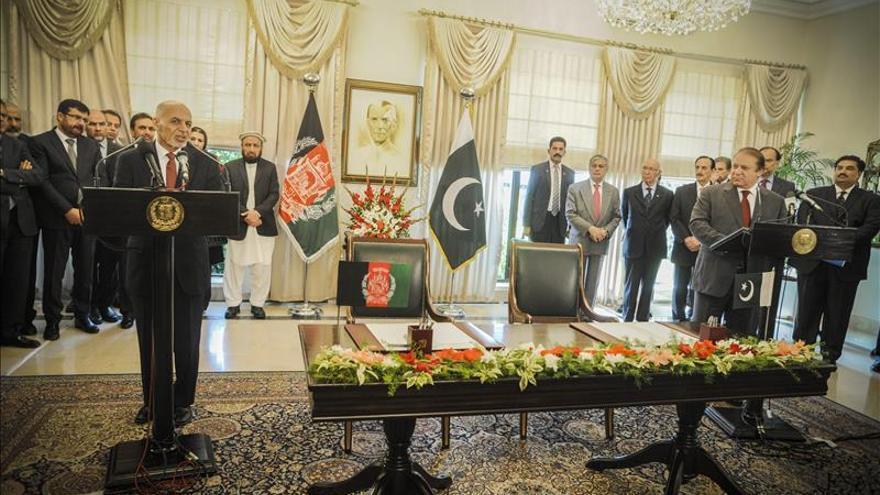 Afganistán y Pakistán acuerdan cooperar en comercio y seguridad