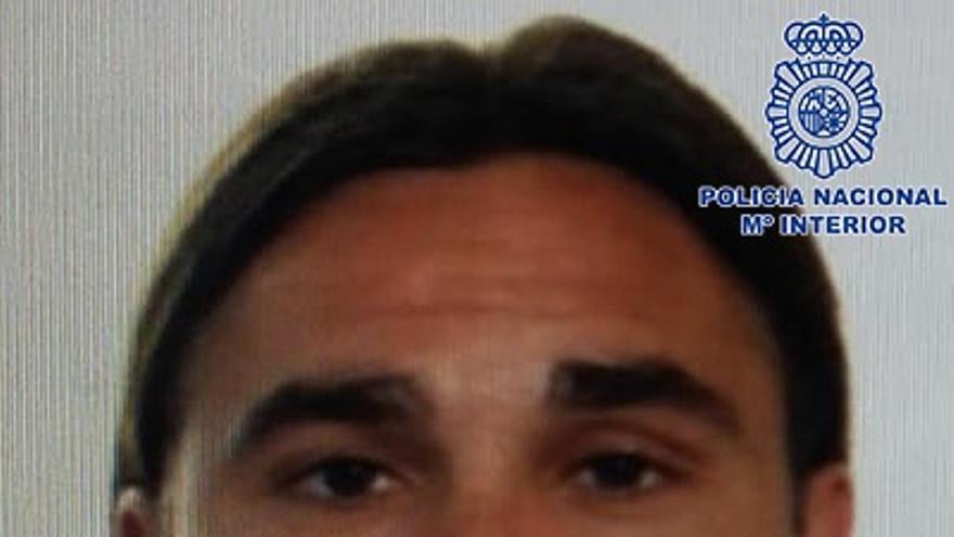 (AMP) La Policía difunde la foto del fugado de El Dueso y pide colaboración ciudadana