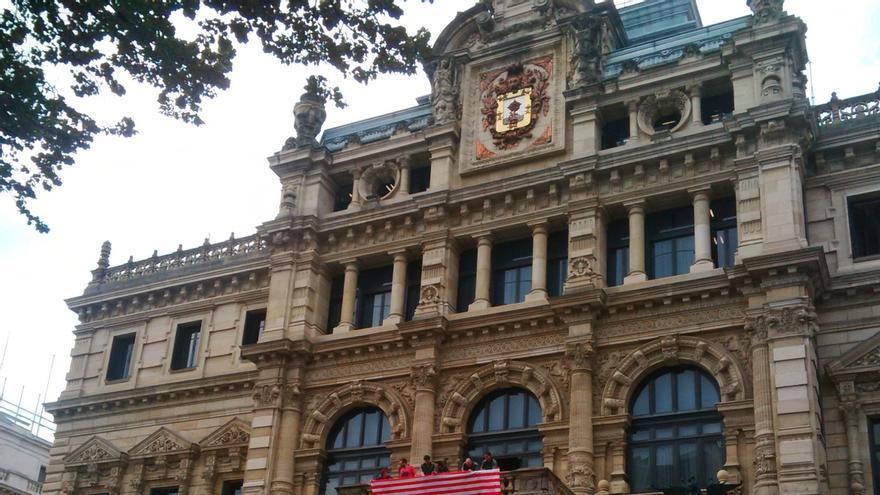 Diputación de Bizkaia obtiene el primer puesto del Índice de Transparencia de las Diputaciones, INDIP 2015