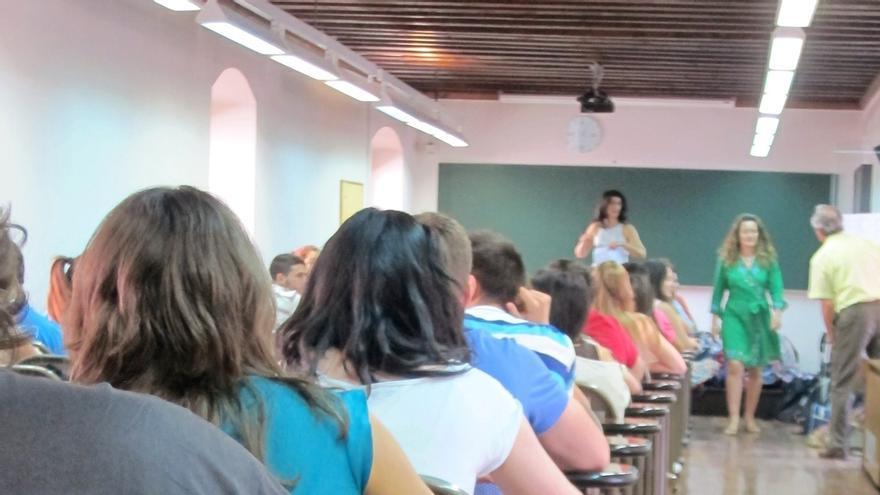 Un total de 6.088 aspirantes participan en las pruebas para administrativos y auxiliares de la Junta en Málaga
