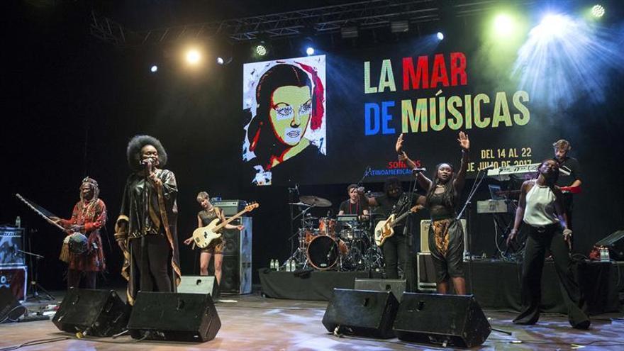 Oumou Sangaré cierra La Mar de Músicas con su wassoulou infeccioso
