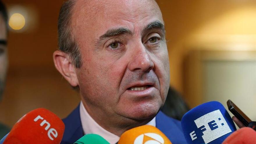 Guindos prevé defender ante Congreso que la designación de Soria se hizo bien
