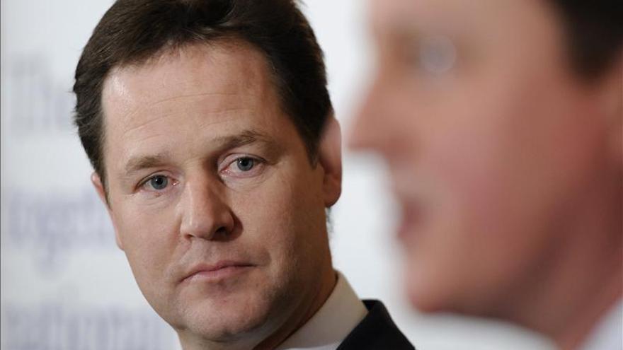 Clegg descarta un cambio de estrategia del Gobierno para atajar el déficit